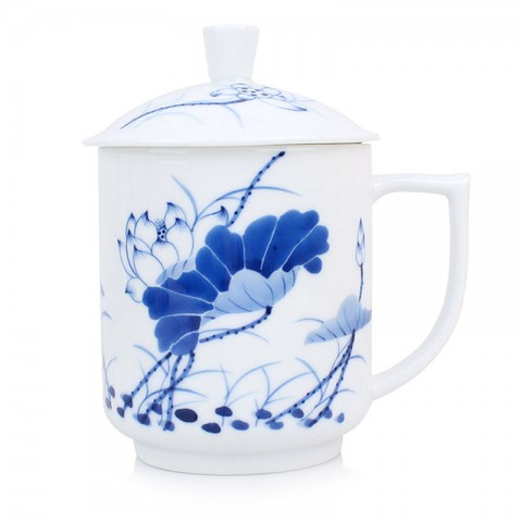 Blue and White Porcelain Mug with Cover-Lotus in Full Bloom